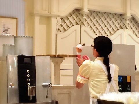 ストロベリーチーズケーキサンデー』